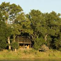 Kapamba BushCamp>South Luangwa>Zambia