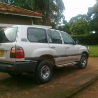 Uganda 4x4 Car Hire> Entebbe Airport 4x4 Car Hire